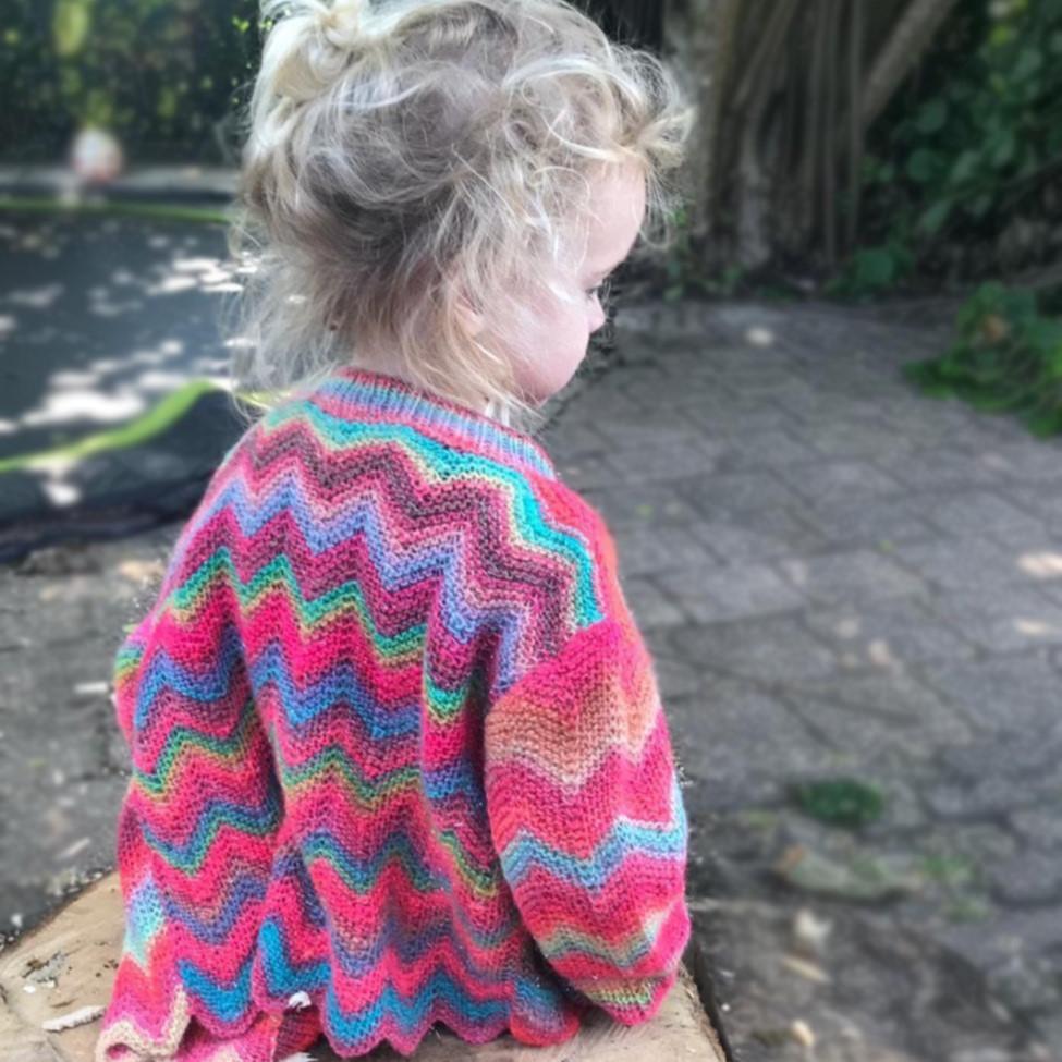 DIY - Vrolijk gebreid kindervestje